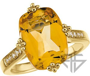 Dazzling Golden Citrine & Diamond Yellow Gold Cocktail in 14 kt - Inlaid Diamonds & Quarto-Style Prongs
