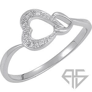 Sweet Interlinking Hearts .05 Carat 14 Karat Gold Fashion Ring
